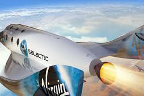 4 Perusahaan yang Bisa Bawa Manusia Terbang ke Luar Angkasa