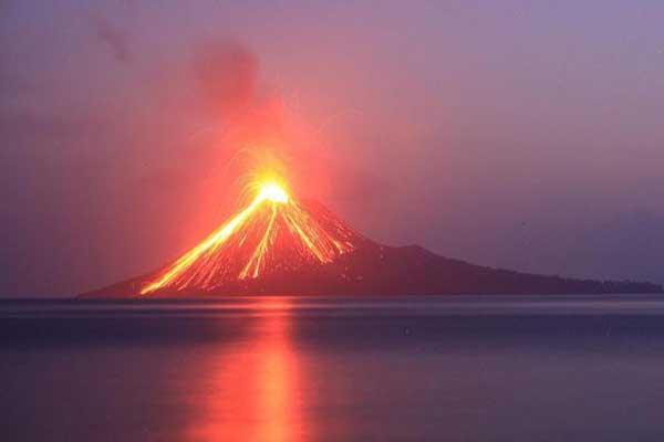 Gunung Anak Krakatau Meletus Kembali Sebanyak 43 Kali