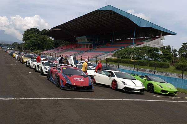 Pemilik Mobil Mewah Super Car Berkumpul Di Sirkuit Sentul